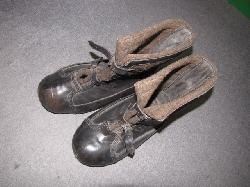 click to see GU-320, WWII German Cold Weather Sentry Boots